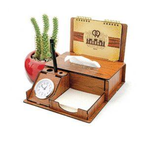 تقویم چوبی رومیزی ساعت دار
